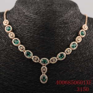 R.A Crystal necklace 4006850601