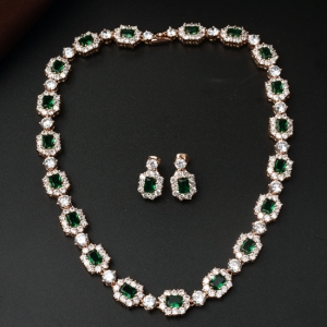 Italinaluxury elegant zircon jewelry set...