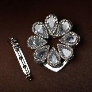 R.A Zircon brooch 1601390002