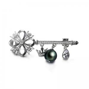 R.A key brooch  154747