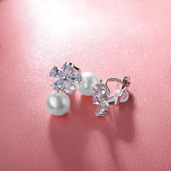 AllenCOCO Korean fashion pearl flower earrings 125648