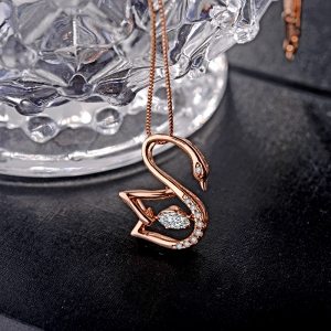 AllenCOCO Classic Swan Diamond Necklace ...