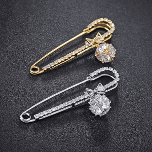 R.A pin brooch 850225