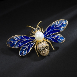 R.A bee brooch  850427