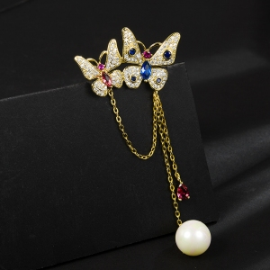 R.A butterfly brooch  850410