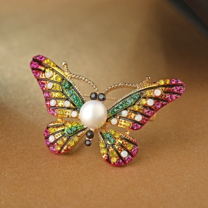 R.A butterfly crystal brooch   850066